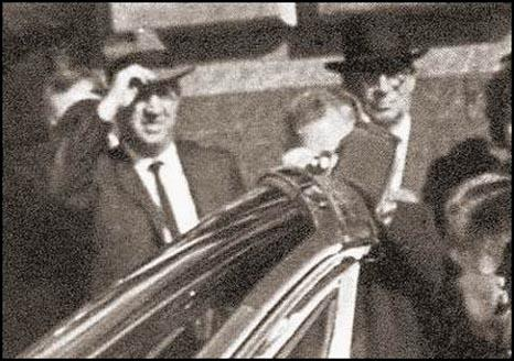 "Unidentifed men in Dealey Plaza - William ""Rip"" Robertson and John Adrian O'Hare?"