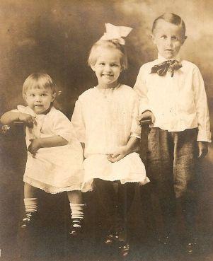 John David Hurt and his 2 sisters, Diantha and Ruby, circa 1912; Credit Linda Giovanna Zambanini